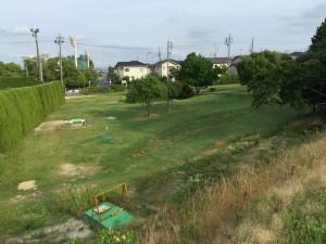 バードゴルフ場の裏側を通過です